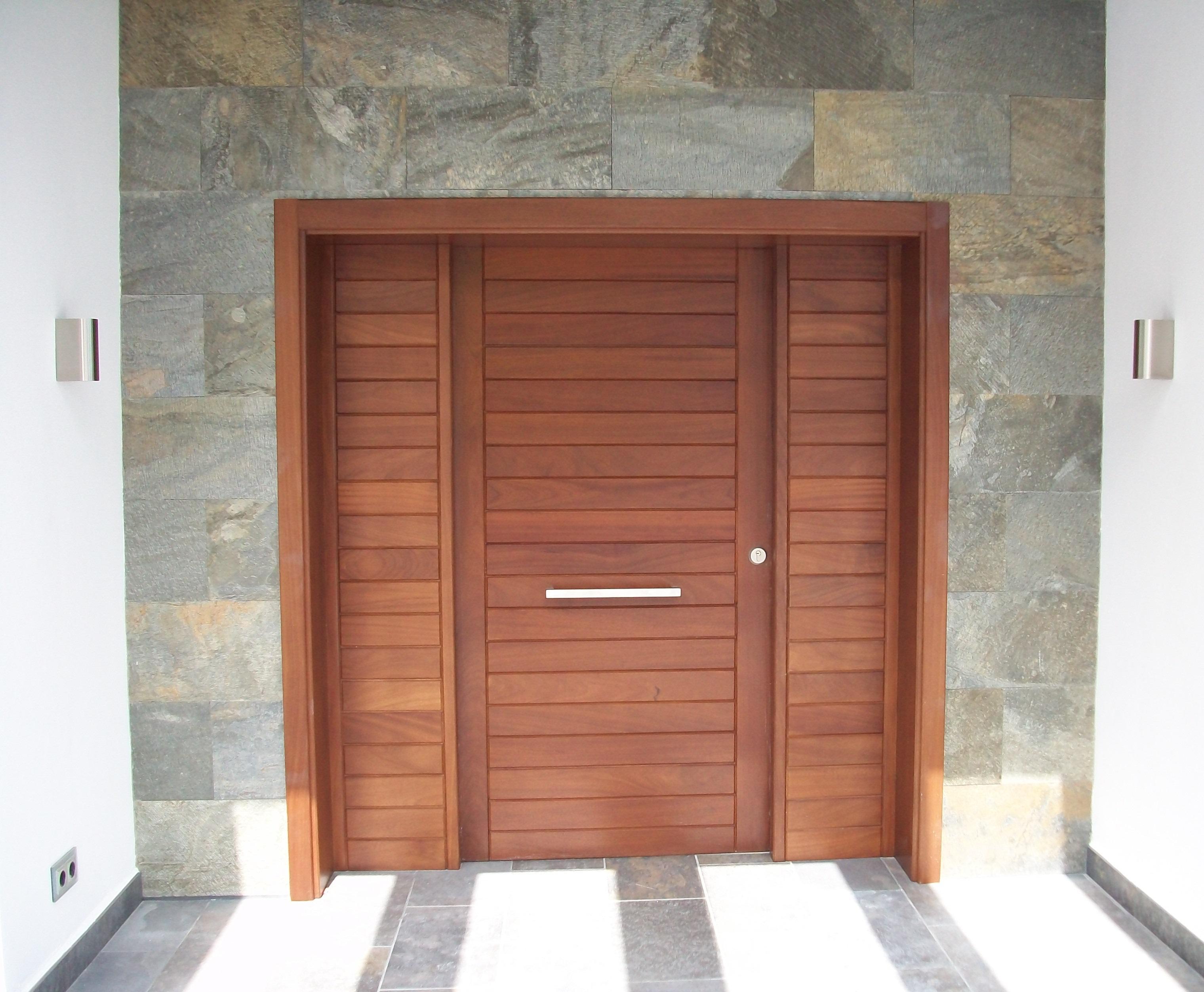 Fabrica fabricacion portones puertas exterior a medida - Portones de madera para exterior ...
