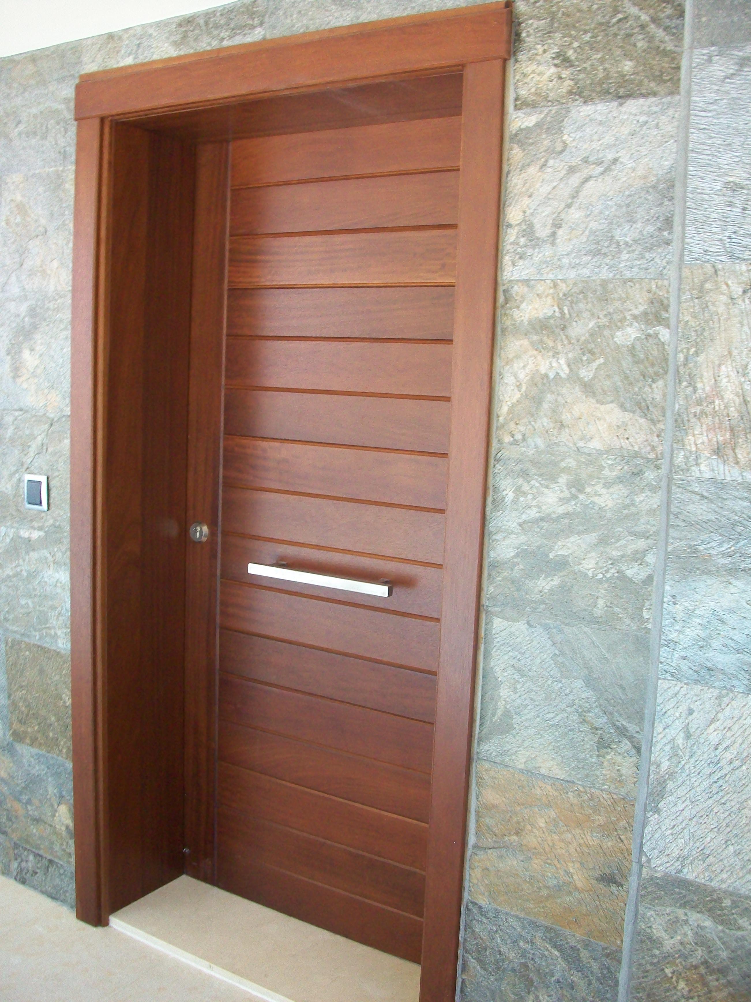fabrica fabricacion portones puertas exterior a medida