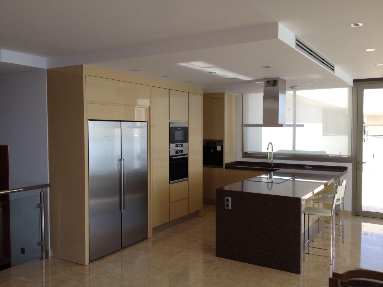 Fabricacion fabrica cocinas a medida valencia 12 muebles for Fabrica muebles valencia