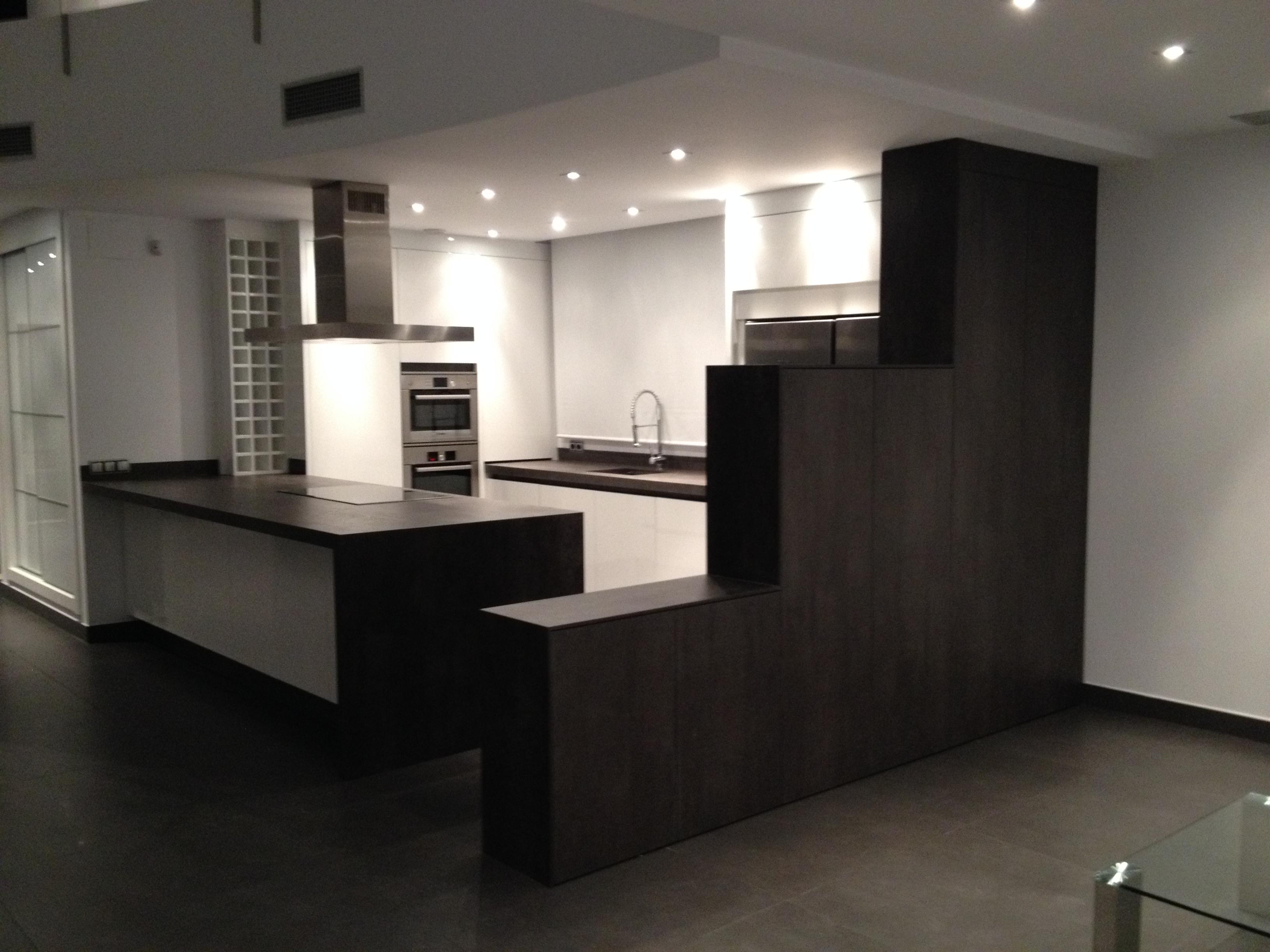 Fabricacion fabrica cocinas a medida valencia 15 muebles for Cocinas a medida