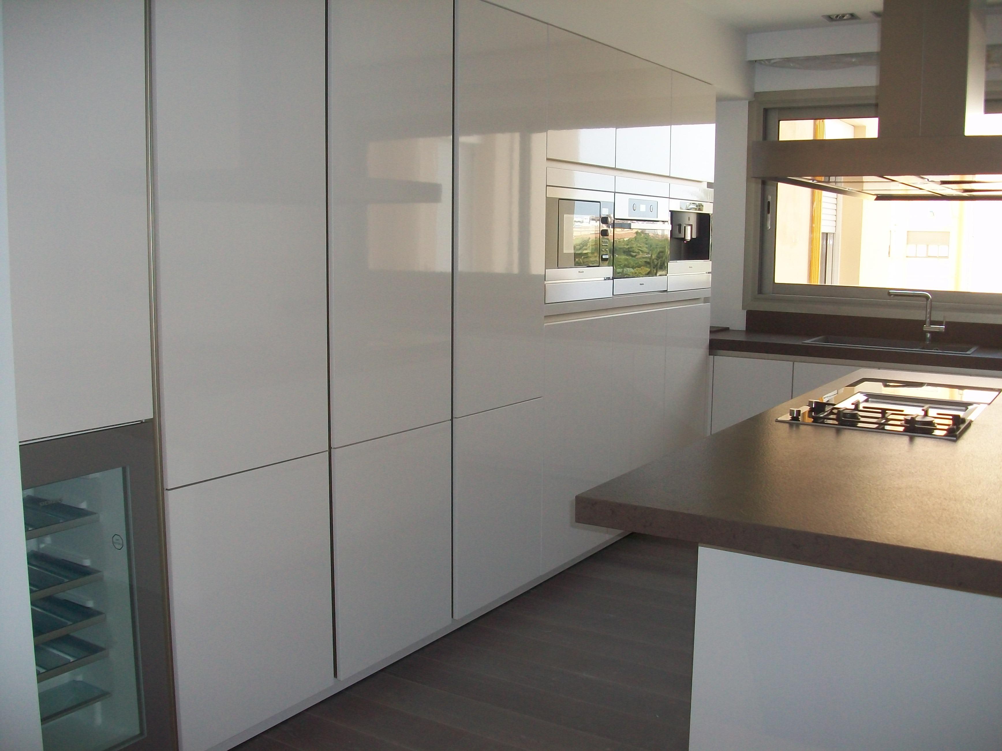 Fabricacion fabrica cocinas a medida valencia 8 muebles for Cocinas a medida