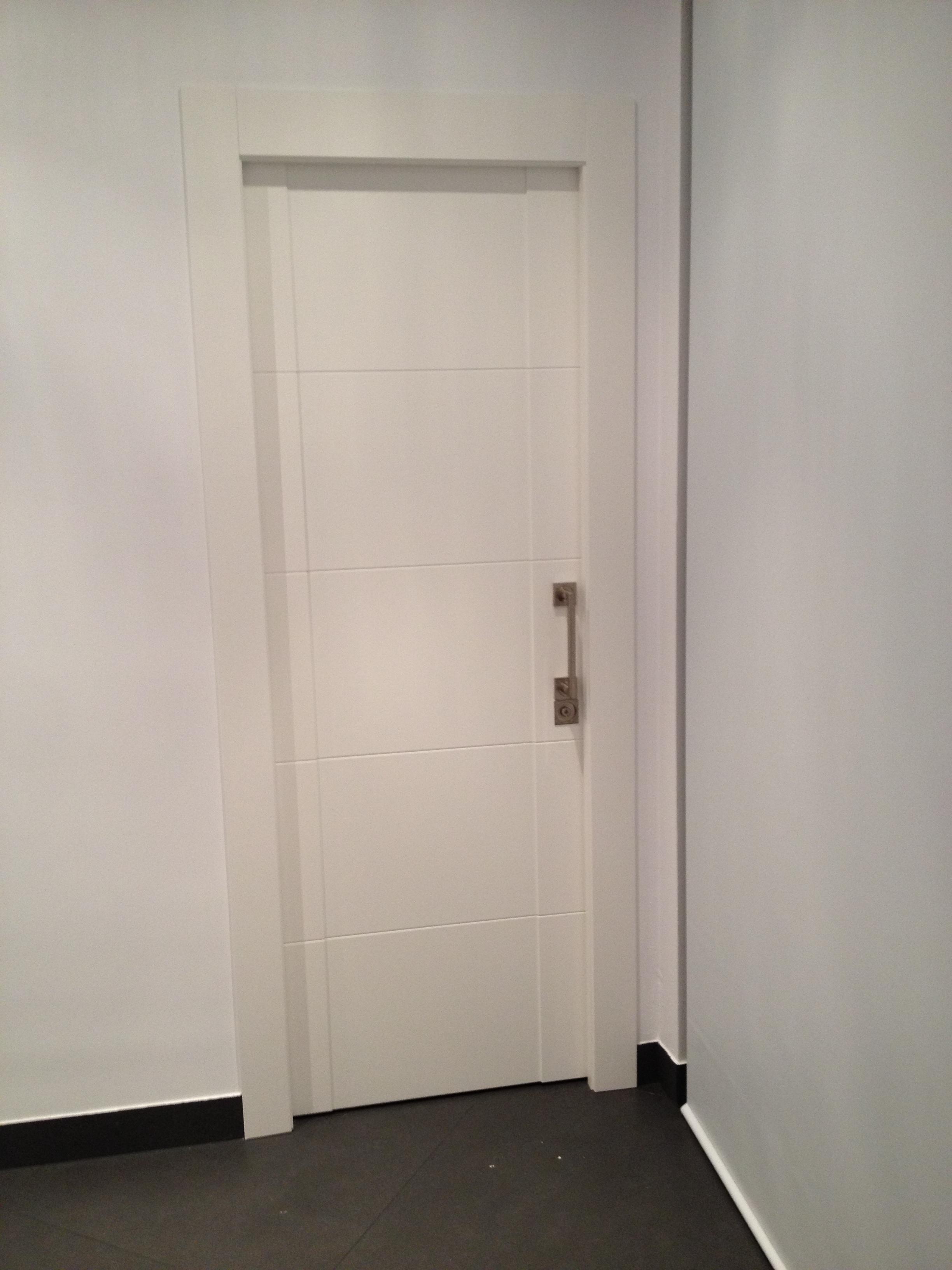 Fabricacion fabrica puertas de paso interior a medida valencia 16 muebles a medida en valencia - Medidas de puertas de interior ...